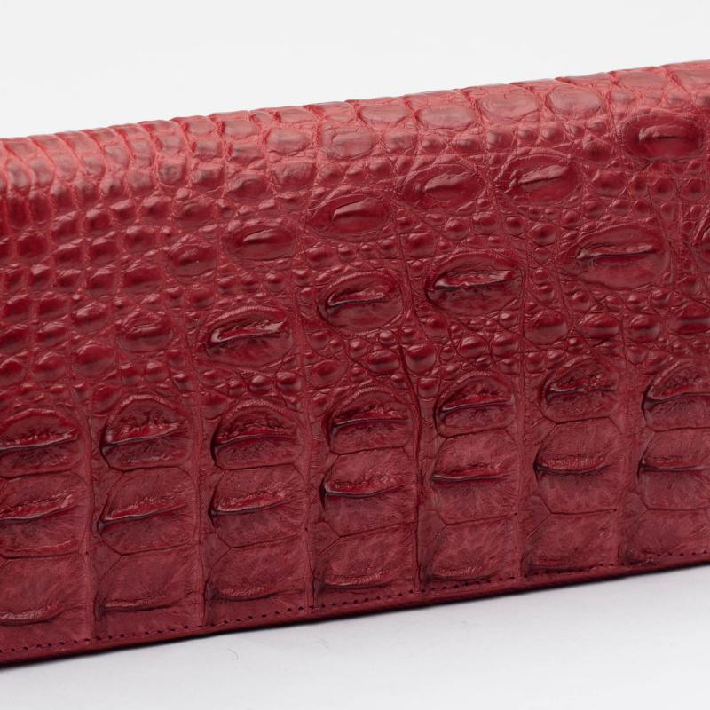 Кошелек на молнии из кожи крокодила бордовый