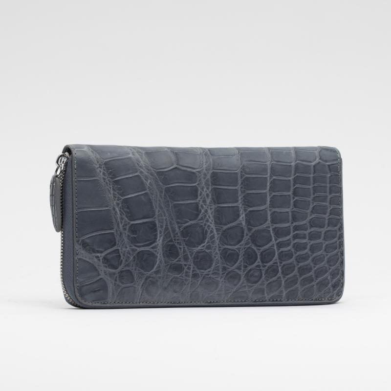 Кошелек-клатч на молнии из кожи крокодила