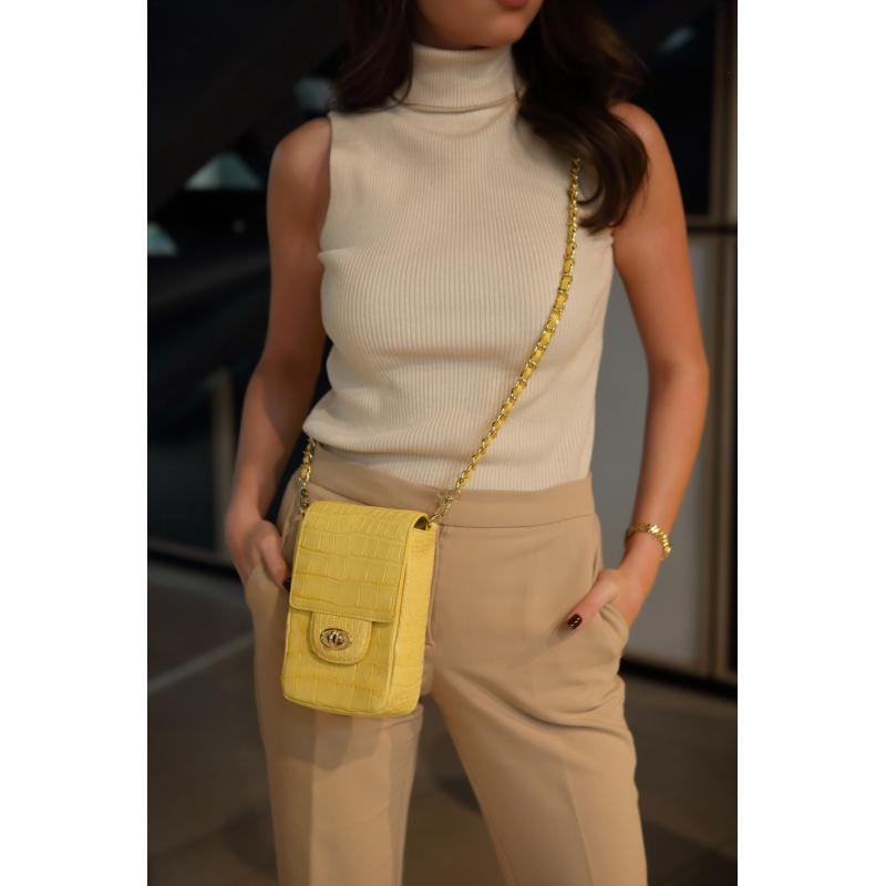 Желтая сумка на цепочке из кожи крокодила